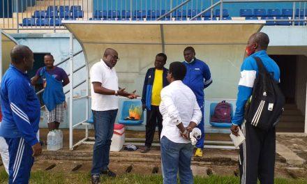 Stage national d'entraîneurs féminins à Oyem: Visite de courtoisie du maire de la ville aux postulants et formateurs